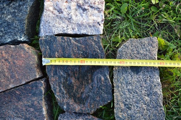 Neregulāras granīta plāksnes